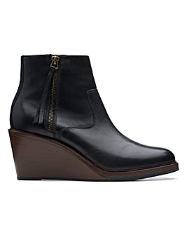 Clarks Clarkdale 2 Zip Boots Standard D Fit