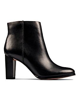 Clarks Kaylin Fern 2 Boots Wide E Fit