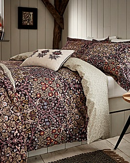 M&CO Blackthorn Damson Duvet Cover Set