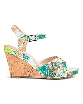 Flexible Wedge Sandals E Fit