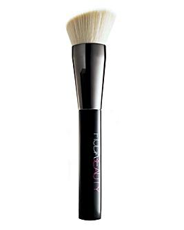 Huda Beauty Buff & Blend Brush