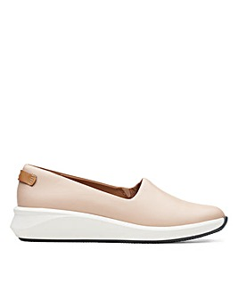 Clarks Unstructured Un Rio Step Standard Fitting Shoes