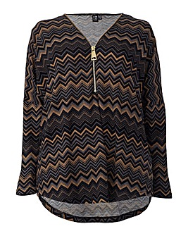 Izabel London Curve Zig-Zag Print Top