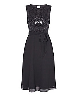 Yumi Curves Sequin Body Skater Dress