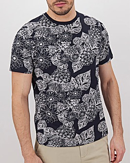 Large Scale Black and White Print T-Shirt Long