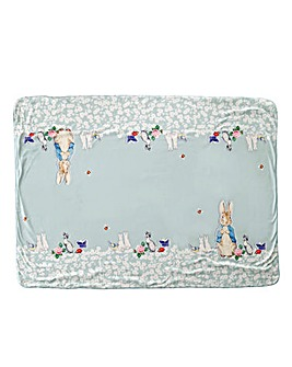 Peter Rabbit Pin Up Throw
