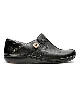Clarks Un Loop Button Slip On Shoes Standard D Fit