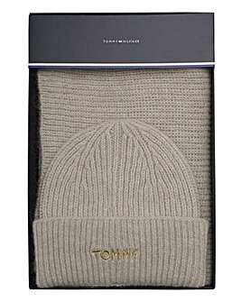 Tommy Hilfiger Effortless Scarf & Beanie