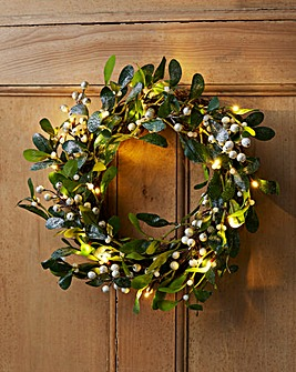 White Berry pre-lit Wreath
