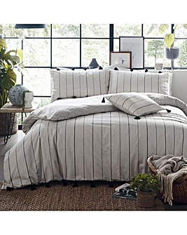 Appletree Delta Stripe Tassel Cotton Duvet Set