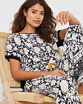 Joe Browns Holiday PJ Set