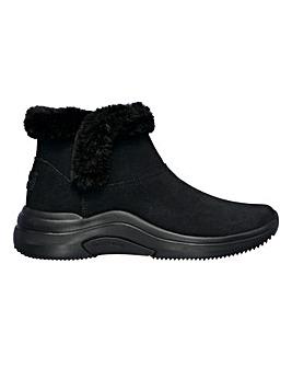 Skechers On The Go So Plush Chugga Boots D Fit