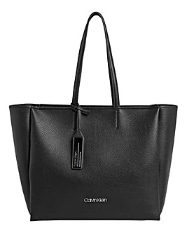 d3472e2b5fcb Calvin Klein Shopper Bag
