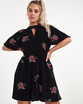 Black Premium Cut Out Velour Embroidered Dress