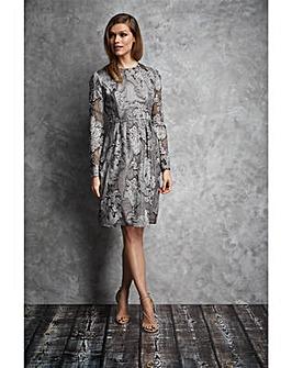 Gina Bacconi Evie Chiffon Dress