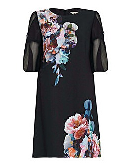 Yumi Curves Floral Tunic Dress
