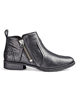 Ugg Auero Boots