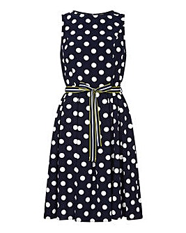 Yumi Curves Sleeveless Polka Dress