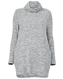 Izabel London Curve Round Neck Sweater
