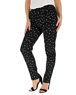 Print Crepe Tapered Trousers Regular