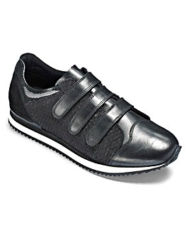 Be Active Luxe Leather T&C Trainers D