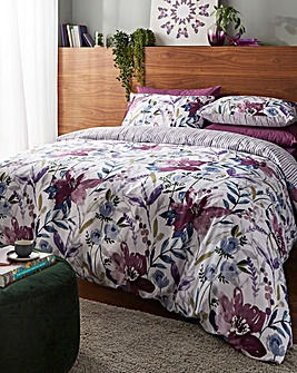 Laura Plum Duvet Cover Set
