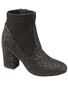 Ravel Stebbins Heeled Ankle Boots