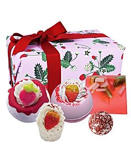 Bomb Cosmetics Strawberry Feels Forever Gift Set