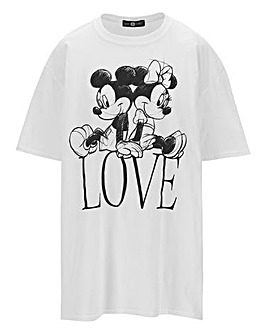 Disney Love Logo Tee by Daisy Street
