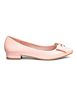 Comfort Flat Pointed Shoes E Fit