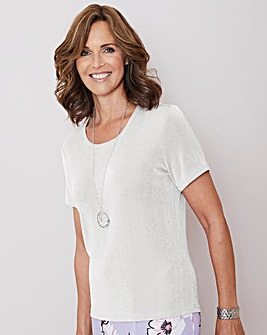 Julipa Ivory Slinky Top and Necklace