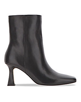 Square Toe Leather Boot Wide E Fit