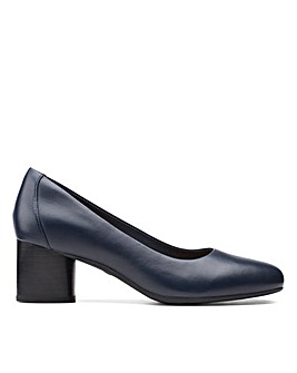 Clarks Unstructured Un Cosmo Dress Wide Fitting Shoes