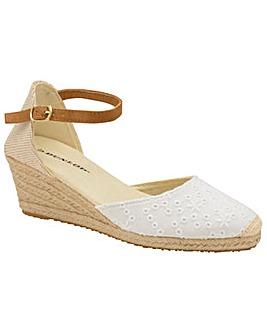 e4115283defd Dunlop Selma women · Dunlop Selma women s wedge shoes
