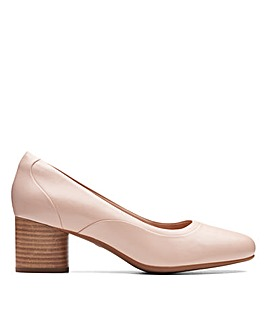 Clarks Un Cosmo Step D Fitting