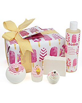 Bomb Cosmetics Ice Cream Queen Bath Bomb Gift Set