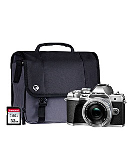 Olympus E-M10 MK III Silver Camera Kit