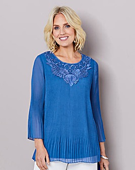 Lace Trim Pleated Blouse