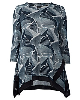 Izabel London Curve Abstract Printed Top