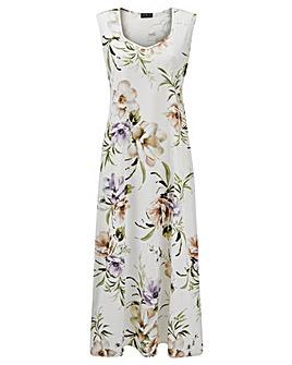 Grace sweetheart neck maxi dress
