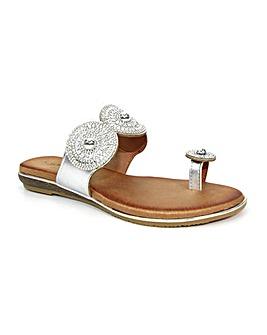 Lunar Oyster Glitz Toe Loop Sandal