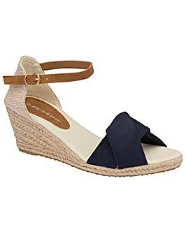 Dunlop Cleo women's standard fit sandals