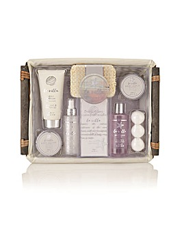Style and Grace  La Villa Home Spa Hamper