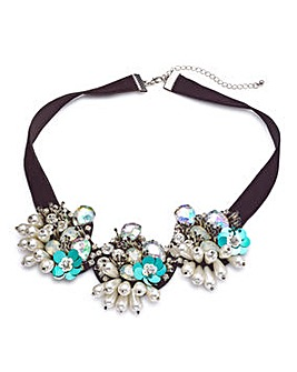 Floral Pearl Collar