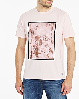 Skull Graphic Chest Print T-Shirt