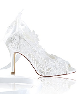 Perfect Hand Crafted Lace Peep Toe