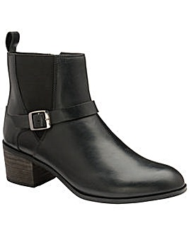 Ravel Kingsley Leather Ankle Boots
