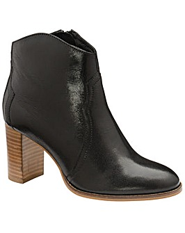Ravel Foxton Ankle Boots Standard D Fit