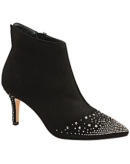 Ravel Renwick Heeled Ankle Boots