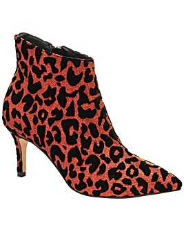 Ravel Renwick Ankle Boots Standard D Fit